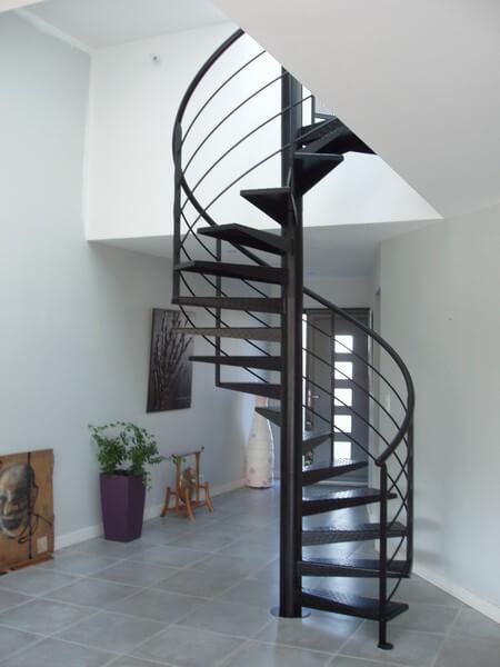 Réalisation d'un escalier à Montaigu par SMCM métallier à Montaigu en Vendée